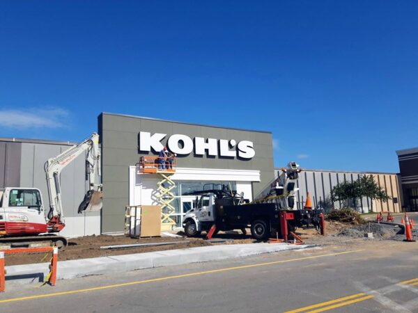 Kohl's Sign installation in Plattsburgh NY